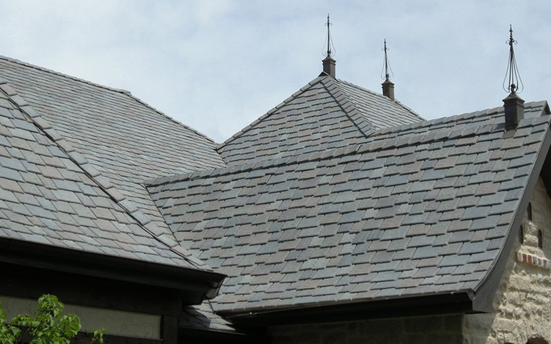Multi-width Slate roofs that are impact resistant, hail resistant, wind resistant for Oklahoma roofs.